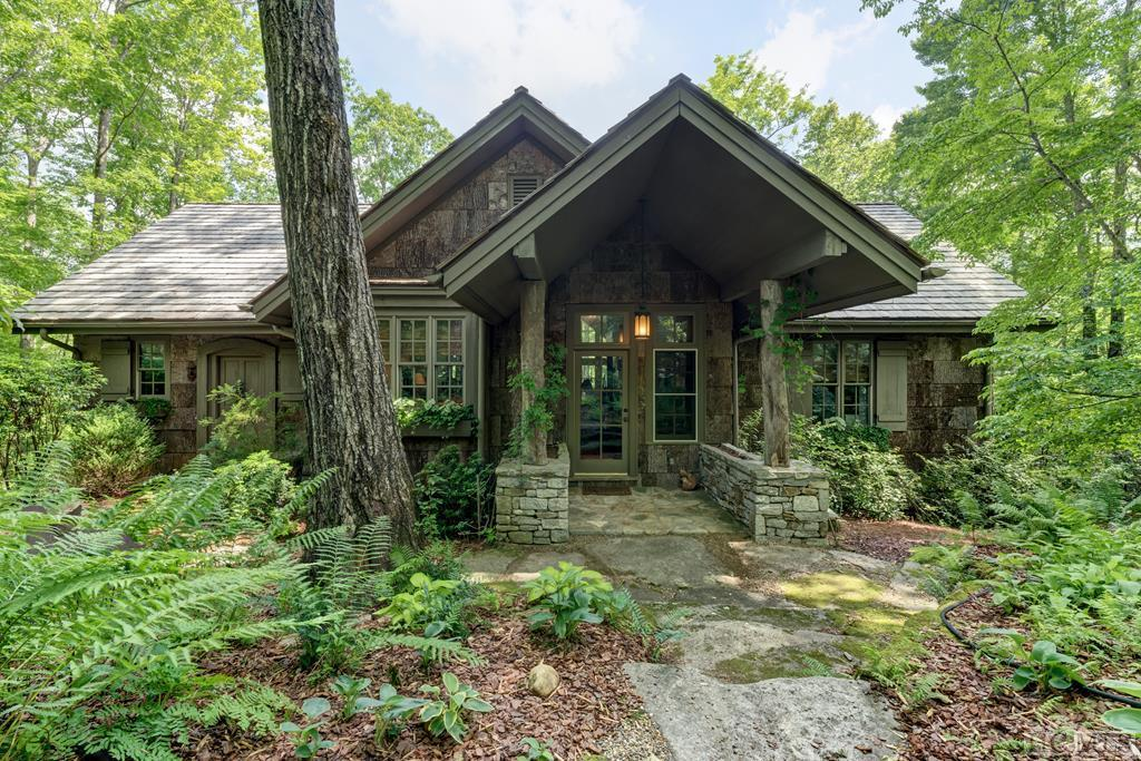 Photo of home for sale at 158 Bent Tree Lane, Cashiers NC