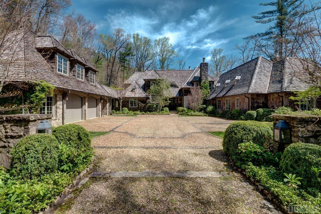 Photo of home for sale at 428 Silver Springs Road, Cashiers NC